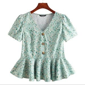 SHEIN Buttoned Front Ditsy Floral Peplum Top